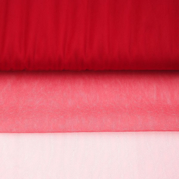 Tulle Remnant No. 1366 (Fine Tulle T5, raspberry)